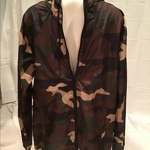 Camouflage windbreaker Size L